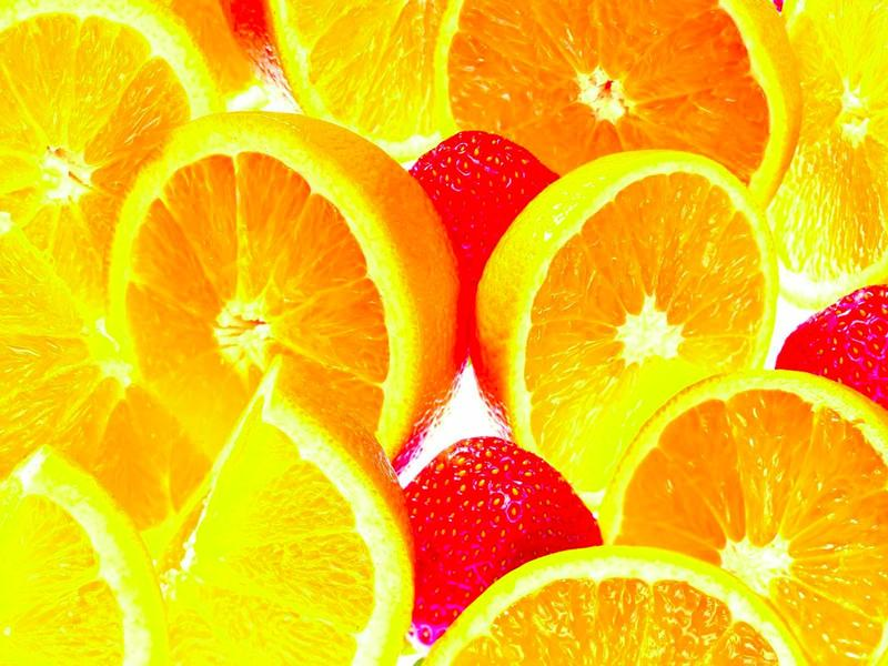 В лимоне содержится больше сахара, чем в клубнике.