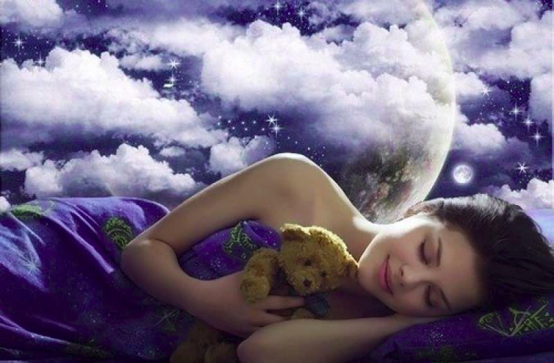 Во сне мы видим лица только тех людей, которых видели в жизни. Мы можем их не знать и не помнить, но мы их уже видели.